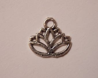 Silver lotus flower charm necklace ❤