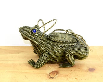 Vintage wicker animal purse...1950s frog purse with marble eyes...green frog figural purse...collectable...mid century.