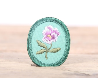 """Vintage Girl Scout Patch / 1970's-80's Scout Patch / Purple Flower / Green Old Stock Scout Patch / 1.5"""" Girl Scouts Patch / Scout Badge"""