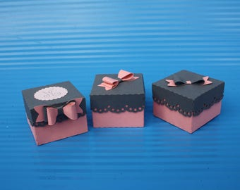 Mini boxes with dragees square pink and gray