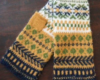 Hand knit patterned gloves. Fingerless gloves. Mittens. Wool arm warmers. White, yellow, green,