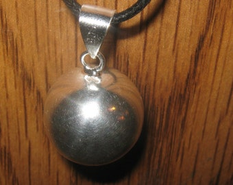 NEW Beautiful 20mm Silver Plated Chime Harmony Ball Pendant Necklace