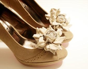 Beige Leather Flower Shoe Clips