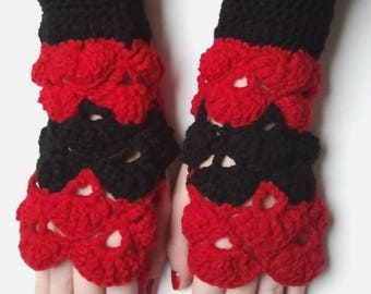 fingerless gloves long shells red and black crochet