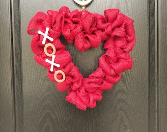 Heart Burlap Valentines XOXO Wreath || Valentines Decor