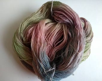 Handpainted yarn 4ply Blue-faced Leicester 100% wool