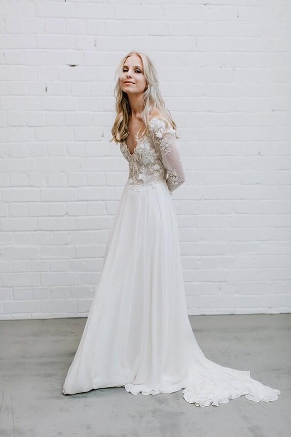 Spitze Hochzeit Kleid tiefer V-Ausschnitt Langarm Hochzeit