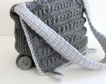 Crochet Messenger Bag in Heather Grey with Chevron Calico Lining