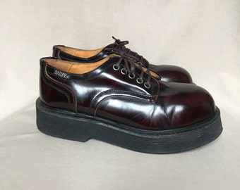 Vintage chunky shoes / rave shoes / platform shoes / 90s platform shoes / platform oxfords / festival shoes / leather shoes