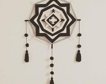 Mandala Ojo de Dios (God's eye) yarn wall hanging