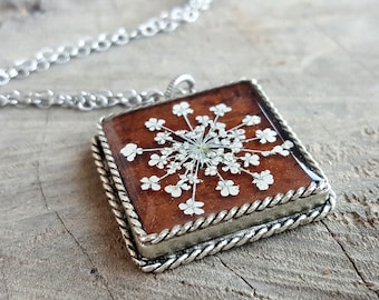 Real Flower Necklace - Pressed Queen Anne's Lace Necklace - Nature Jewelry - Queen Anne's Lace Flower on Brown Birch Bark