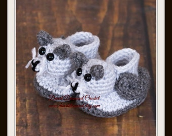 Crochet Pattern 120 - Kitty Cat Baby Booties - 5 Sizes
