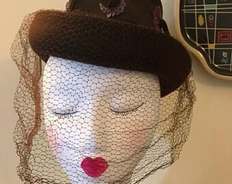 Vintage 1930s 1940s Brown Felted Fedora Tilt Veiling Hat