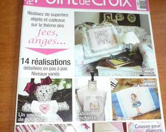 "french magazine CROSSTITCH "" réalisations au point de croix "" 2010 in good conditions"
