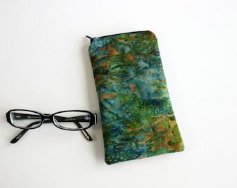 Green Batik Eyeglass Holder, Padded Eyeglass Case, Sunglass Case, Reading Glass Case, Eyewear Case, Sunglass Holder, Gift for Mom