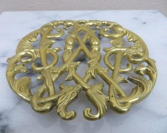 Vintage Brass Trivet Pot Holder, Brass Hot Plate, Brass Kitchen Decor, Colonial Williamsburg, Vintage Kitchenware, Ornate Metal Trivet