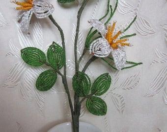 Flower bouquet bead white yellow