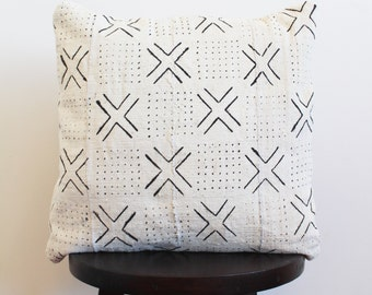 MUDCLOTH PILLOW COVER // African mudcloth, mudcloth, pillow cover, bogolan, bohemian, white mudcloth