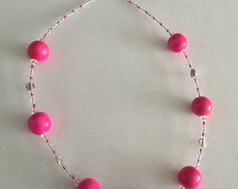 Chunky bead shocking pink necklace