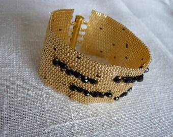 Bandage peyote bracelet