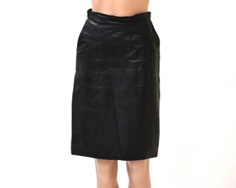 Vintage Black Leather Skirt Size Small/Medium with Side Pockets