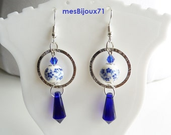 Navy dangling earrings. Navy blue jewelry, glass beads and porcelain.