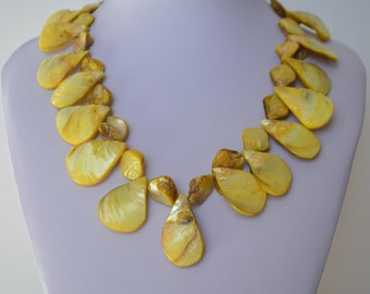 Sterling SiIver Yellow Colored Mother-of-Pearl Oval Beaded Necklace