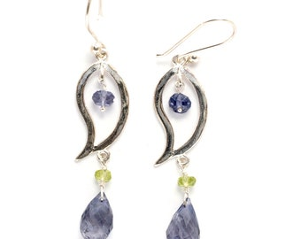 sterling silver dangle french ear wire earring with faceted beads of iolite and peridot (AA1258)