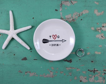 Custom Engagement Ring Dish, Custom Anniversary Celebration Dish, Engagement Ring Dish with Arrow and Heart Design, Initials with Heart