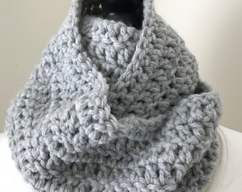 chunky cowl || circle scarf || the Roland in silver-grey