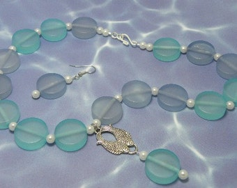 Ocean Disks and Pearls with Fish Dangle necklace set