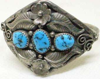 Vintage Navajo Bracelet - Kingman Turquoise - Sterling Silver - Squash Blossom - Wide Cuff