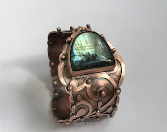 Handmade, floral pattern, riveted copper cuff bracelet with green-blue labradorite cabochon