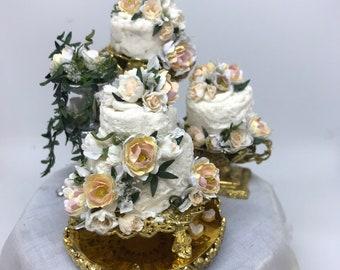 Dolls House Miniature Replica of Prince Harry and Meghan wedding cake