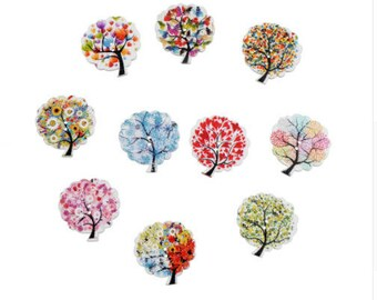 Set of 5 tree shaped wooden buttons
