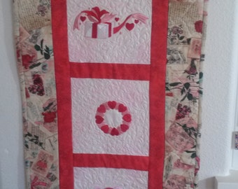 Valentines/hearts /Sweetheart day/Wall Hanging /Table Topper