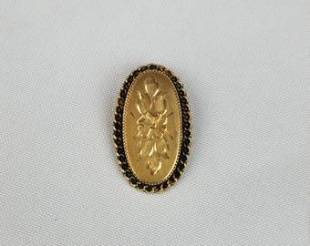 Vintage 1/20 12K gold filled brooch edged floral