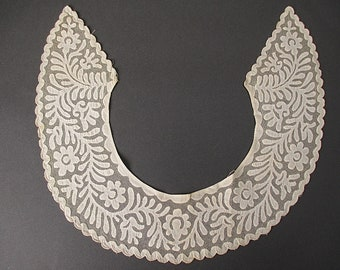 Antique floral lace  collar Handmade Needlelace Applique