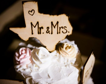 Single cake topper in the shape of YOUR state!  Add your Initials or Mr. & Mrs. Wedding Cake Topper Decoration or Engagement Party