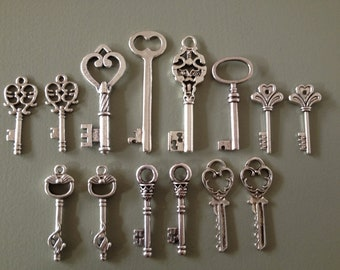 14 x Antique Silver Skeleton Key Charms Silver Vintage Key Set Skeleton Key Pendants Jewelry Making Key Charms - Keys to the Castle -