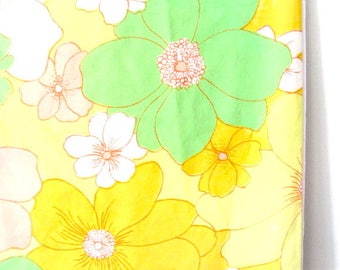 Vintage pillow case, bed pillow case, vintage bedding fabric, flower power fabric, 70s pillow case, yellow pink, spring flower fabric