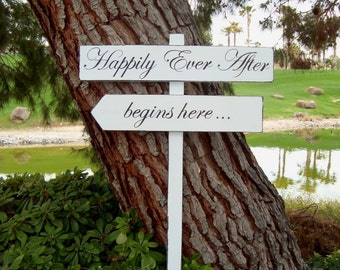 HaPPiLy EVeR AfTeR SiGn - HaPPiLY EVeR AfTeR BeGiNs HeRe - DiReCTioNaL WeDDiNg SiGnS - Classic Style - 4ft Stake - Distressed White or Ivory