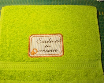 EMBROIDERED GUEST TOWEL AND FABRIC THEME BRITTANY 30 X 50