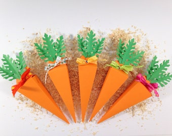 Box dragees or chocolates in the shape of a carrot for Easter or other!