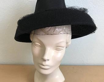 FLASH SALE Vintage 1940's Black Fedora Style Tilt hat with netting /40s womens hat
