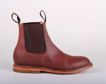 Womens Chelsea Boot (Shedron)