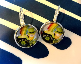 Leprechaun St. Patrick's Day cabochon earrings- 16mm