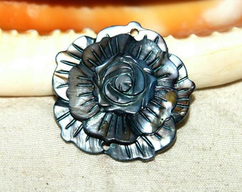 charcoal natural color 35 mm flower shell, Pearl