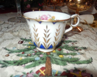 ENGLAND ROYAL CHELSEA Teacup