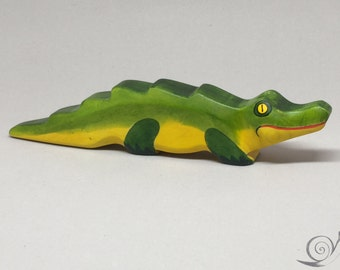 Toy Crocodile wooden green yellow red colourful Size: 20,0 x 4,0 x 2,0 cm (bxhxs)  approx. 63,0 gr.